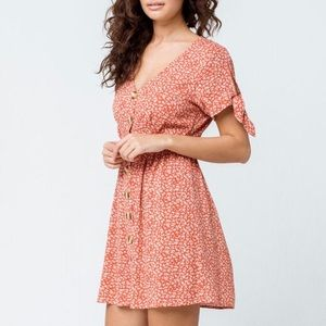 SKY & SPARROW Ditsy Floral Button Front Dress